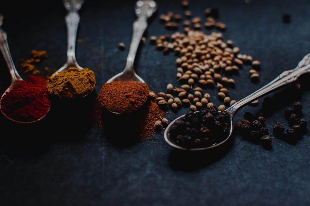 Pazil kvalitets krydderier